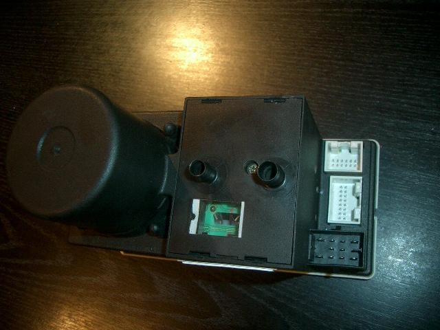 Купил на разборке компрессор для ауди 100 ц 4 центральго замка и заметил что иногда двери открываются с 10 раза...